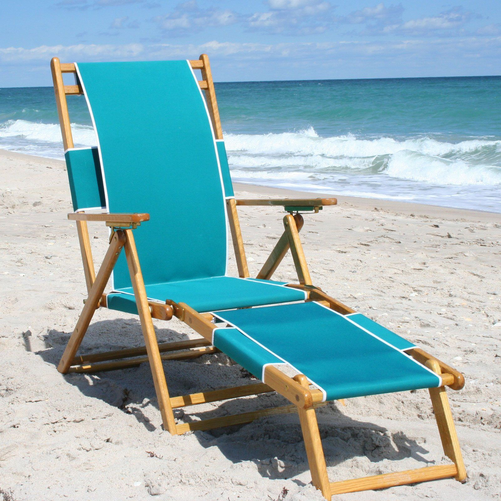 I LOVE beach chairs with a foot rest. I can totally see