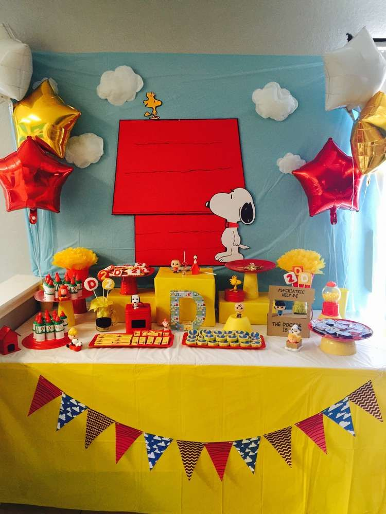 How Fun Is This Snoopy Birthday Party See More Ideas At Catchmyparty