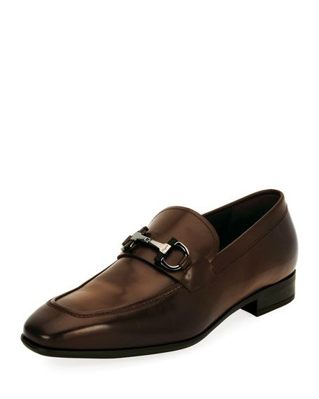 SALVATORE FERRAGAMO Dinamo Gancini-Bit Leather Loafer, Brown. #salvatoreferragamo #shoes #