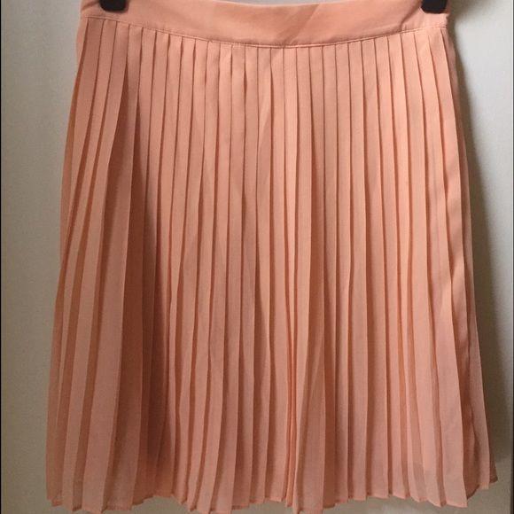 Forever 21 skirt Pleaded peach forever 21 skirt. Excellent condition. 100% polyester size XS Forever 21 Skirts