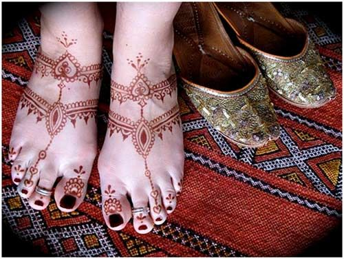 Easy Feet Mehndi Designs : Easy and simple mehndi designs that you should try in