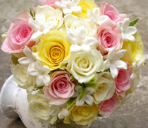 pink and yellow wedding flowersso cute!