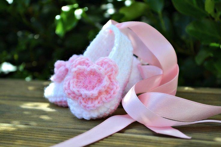 Top 10 DIY Crochet Baby Shoes