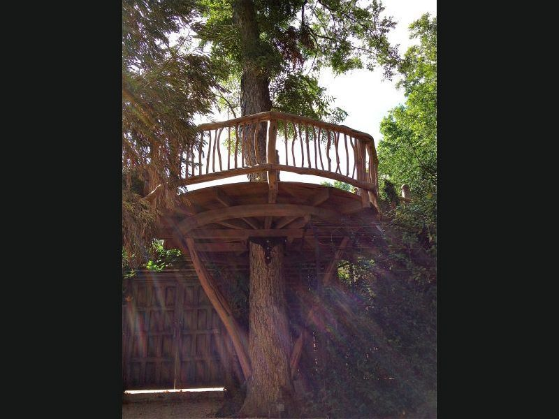 Stick railing treehouse pinterest railings platform for How to build a treehouse with sticks