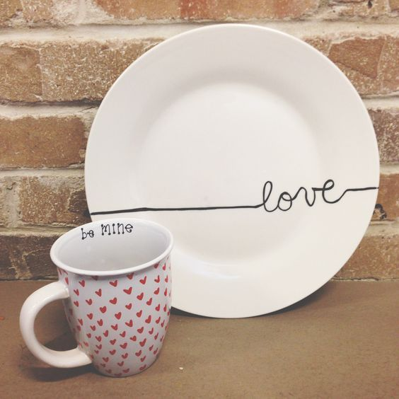 50+ DIY Valentine's Day Gifts for Boyfriend that says it all in a personal tone - Saudos #sharpieplates