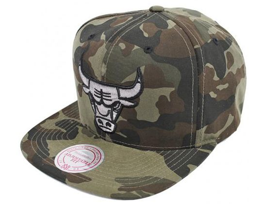 fe5af42d35d Woodland Camo Chicago Bulls Snapback Cap by MITCHELL   NESS x NBA ...