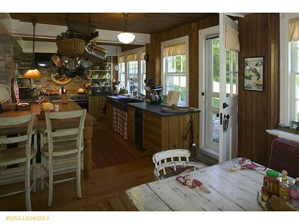 homes for sale in falmouth foreside maine