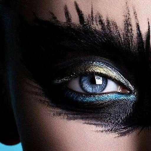 Photo of Blue eye black eyeschadow