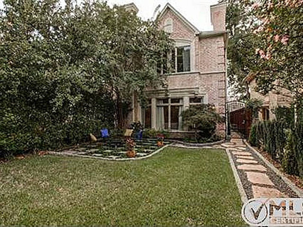 Spacious 4bd Townhouse Close To Smu In Dallas Townhouse Renting A House Vacation Rental