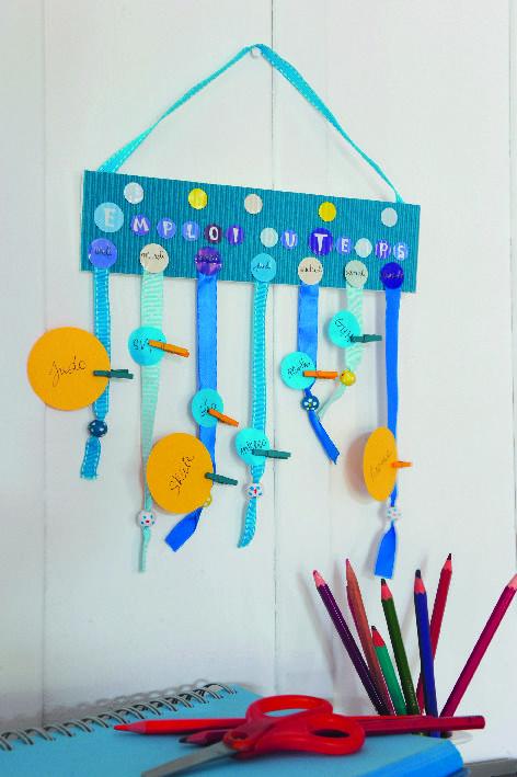 tuto kids fabrique ton emploi du temps pour la rentr e. Black Bedroom Furniture Sets. Home Design Ideas