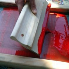 Great step-by-step for photo-emulsion screen printing without all of the super-fancy/expensive equipment!