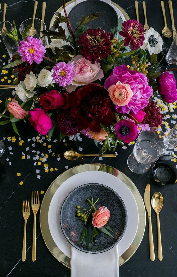 Black and Gold New Years Eve Party Inspiration | Wedding & Party Ideas