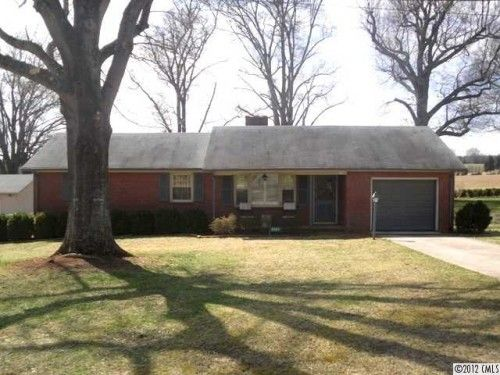 Brick Ranch with Handicap Accessibility in Maiden 3 bedroom home