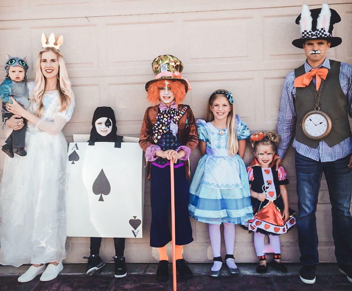 Alice In Wonderland Themed Halloween Costume Halloween Costumes