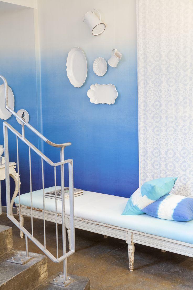 Papel pintado degradado azul mediterr neo color by - Designers guild papel pintado ...