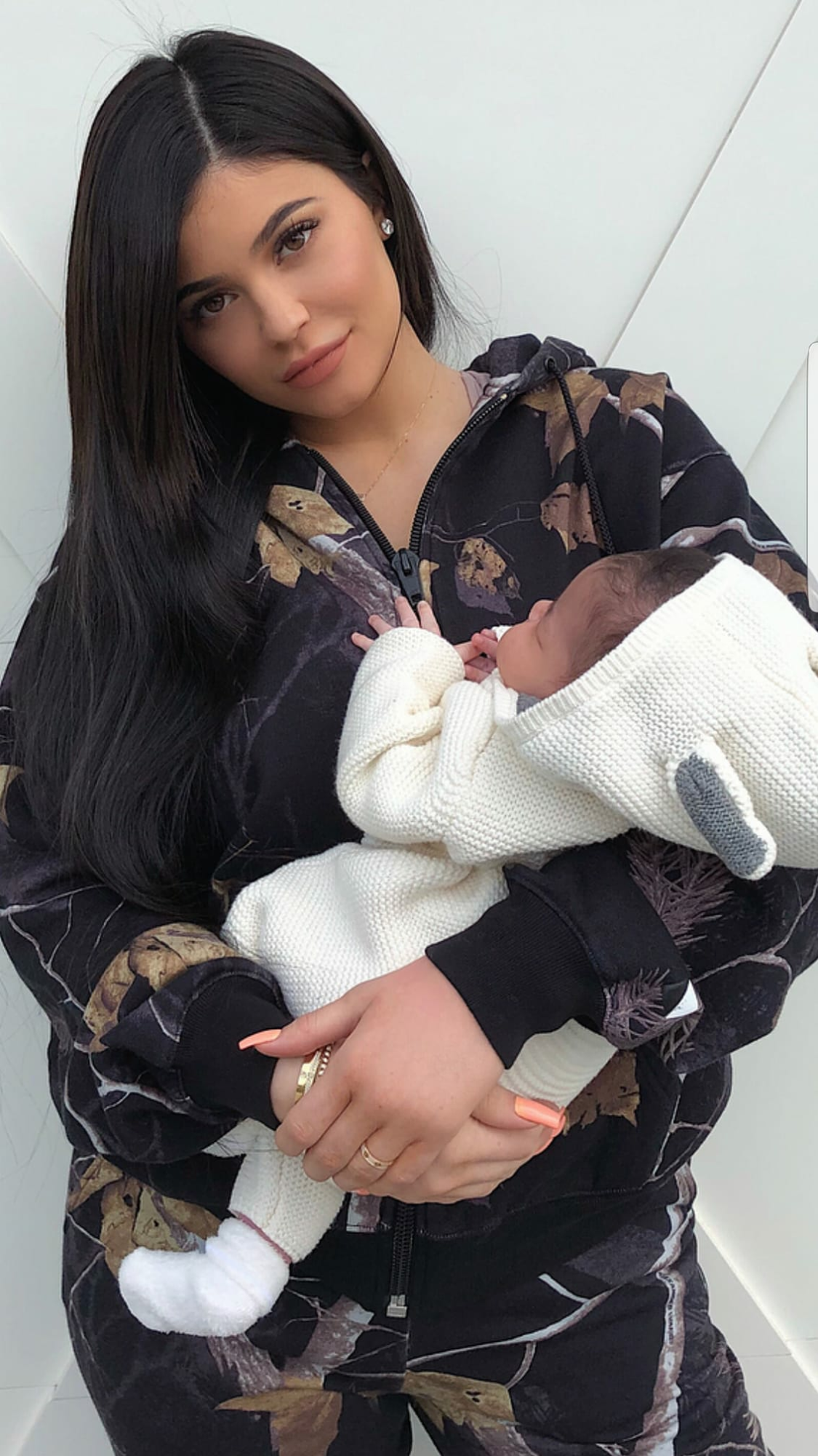 Kylie Jenner Baby Stormi Webster With Images Kylie Jenner Outfits Kylie Jenner Baby Kylie