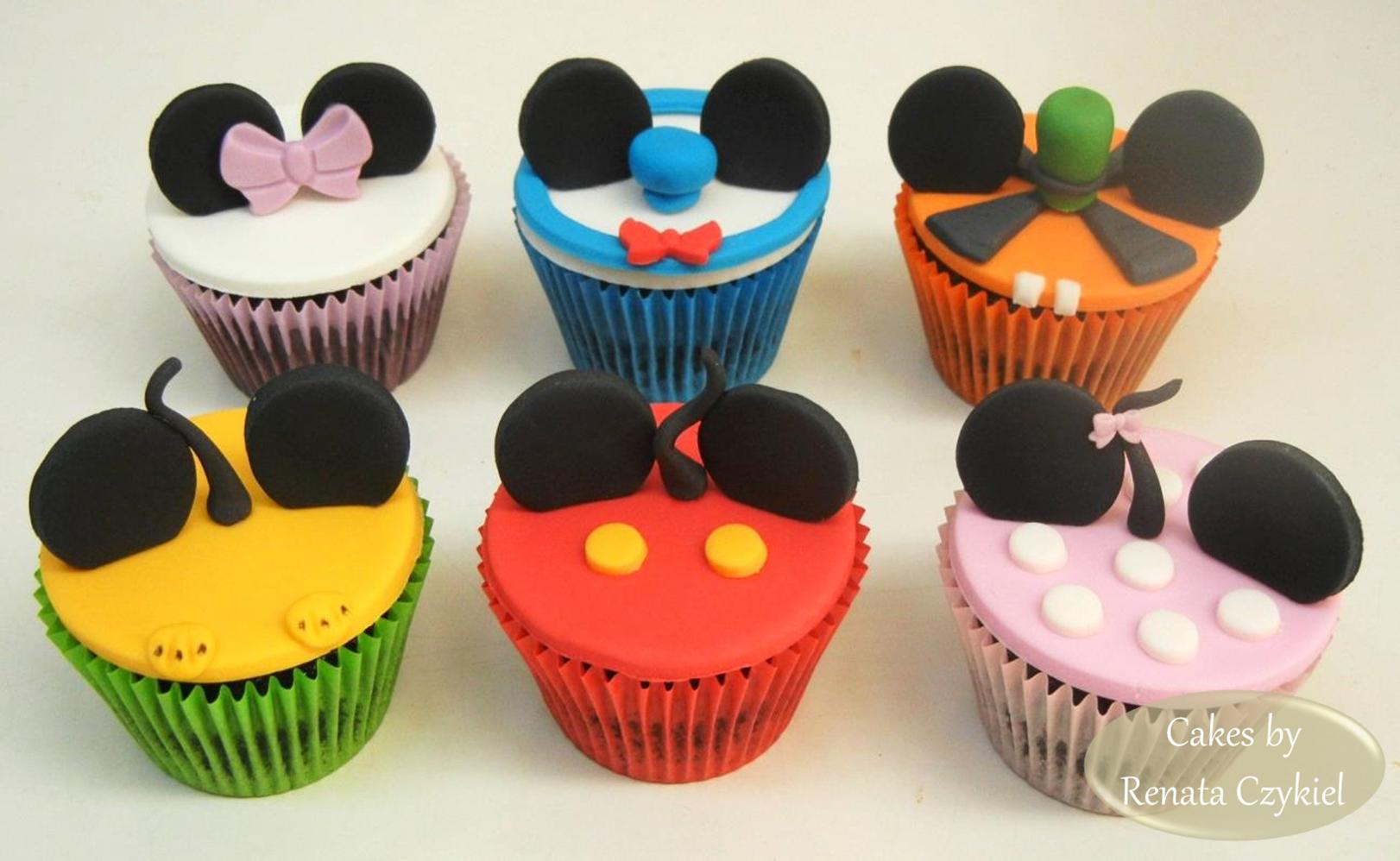 Pin de Renata Czykiel em Cupcakes & Cakes by Renata Czykiel