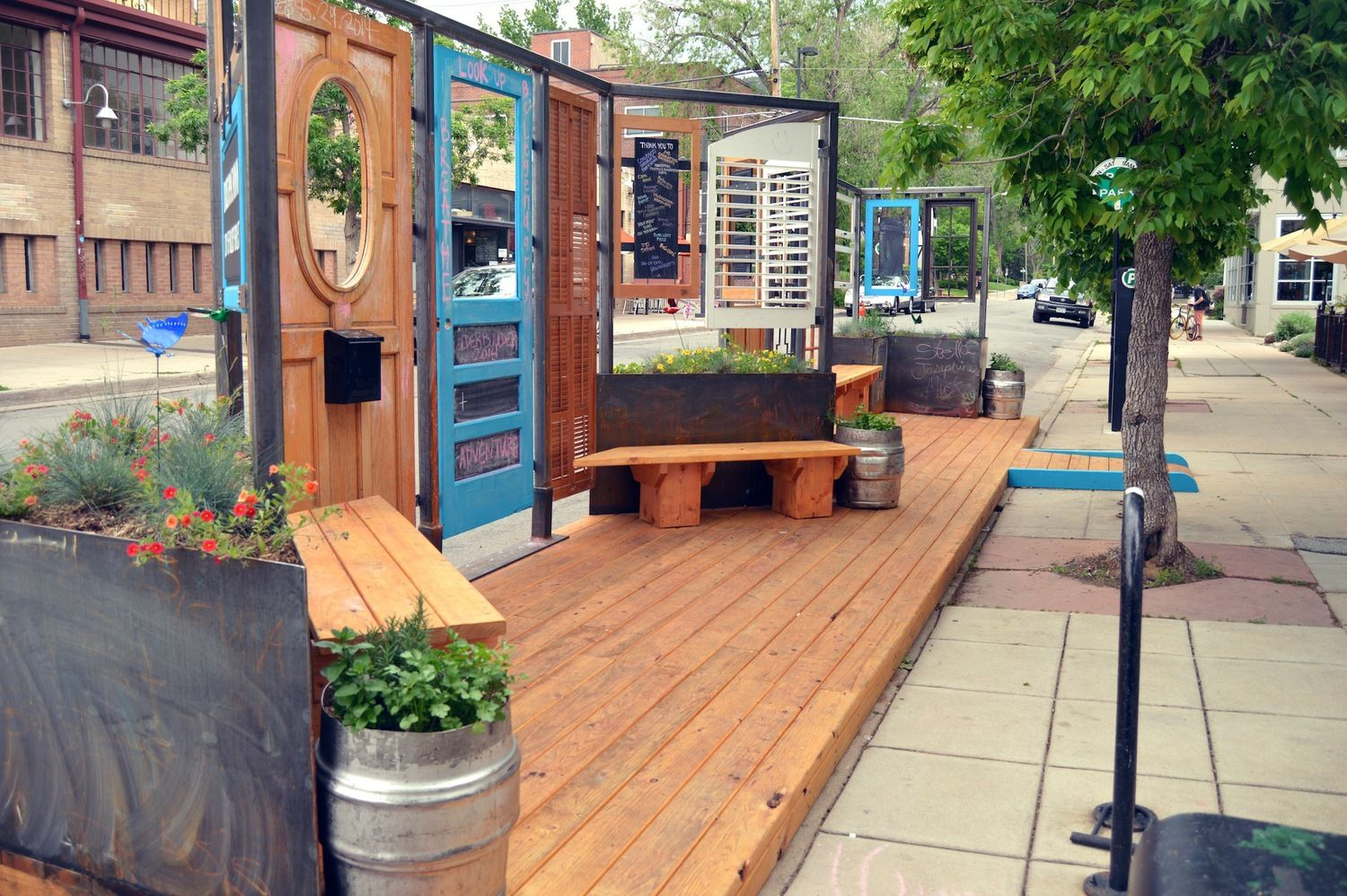 The best Parklet ever in the Historic Hill District in Boulder,Colorado. Get some coffee and treats and just chill.