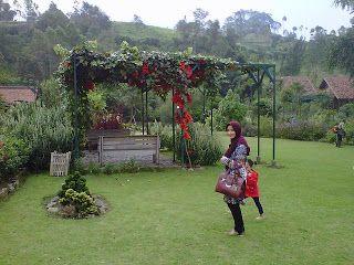 Tempat Wisata Dekat Kebun Mawar Situhapa