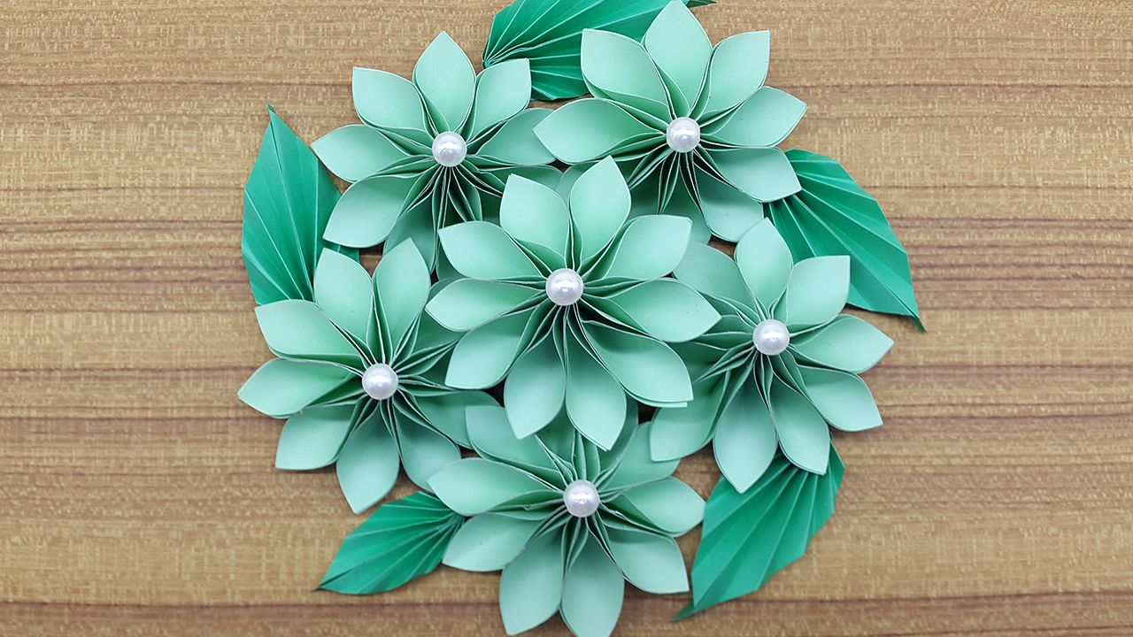 Enjoy An Innovative Bouquet Paper Flowers Making Instruction From