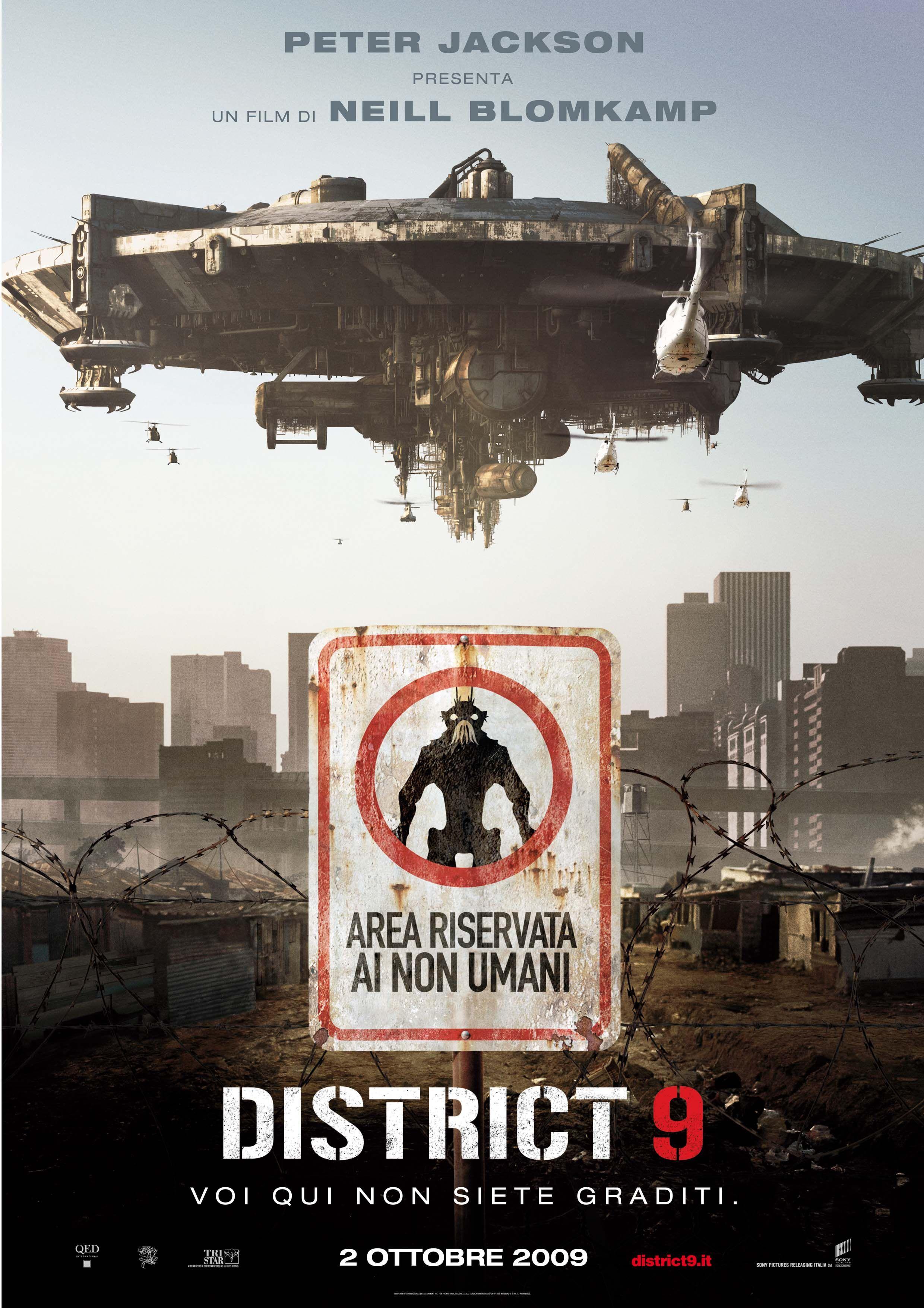 District 9 - Peter Jackson presents a film by Neill Blomkamp