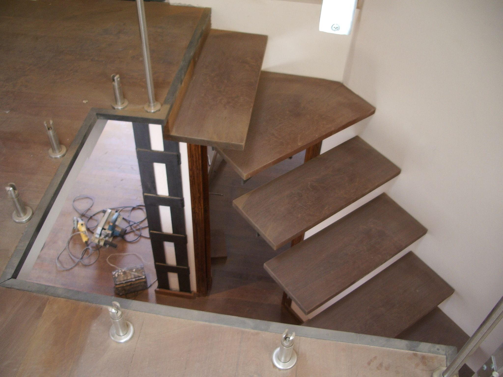 Escalera Met Lica Con Pelda Os Empotrados Pelda Os De