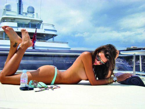 Topless sailing 2