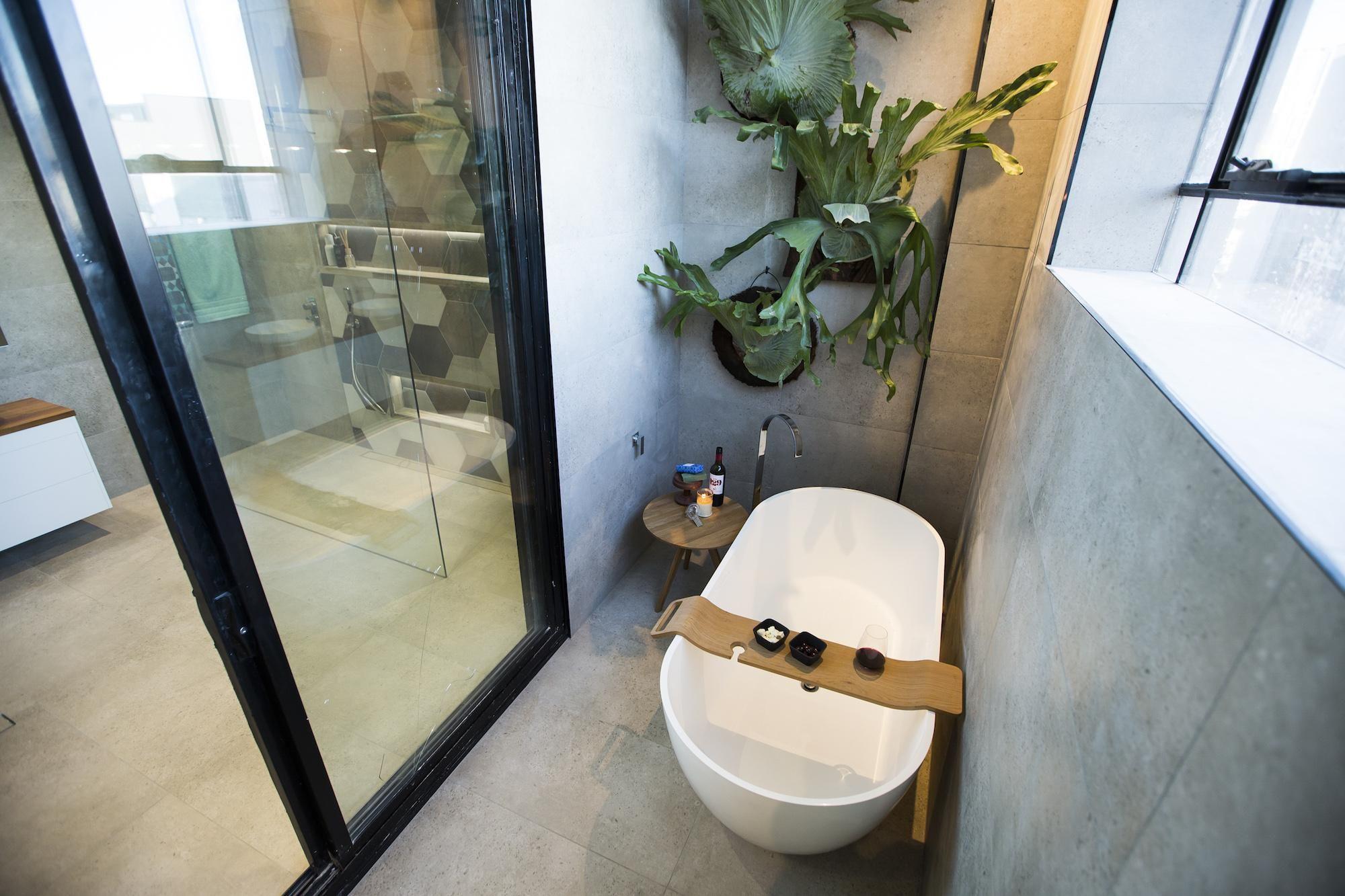 Kim U0026 Chris Week 9   Loggia U0026 Redo Bathroom
