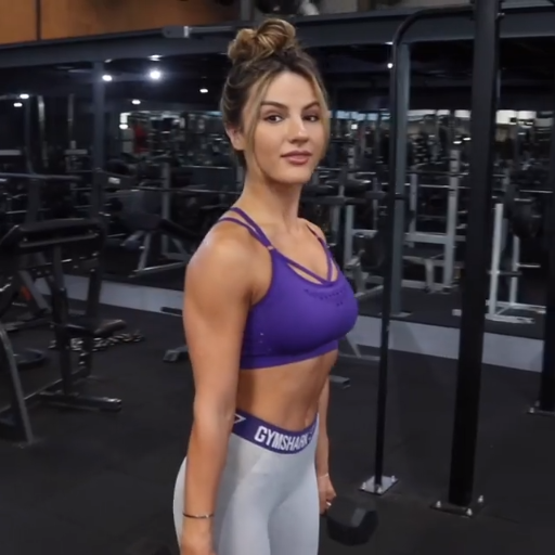 a19c474c80 Krissy pairs the Gymshark Energy+ Seamless Sports Bra with the Flex  Leggings! Try out her workout for yourself  Bent Over Rows  12 reps 4 sets