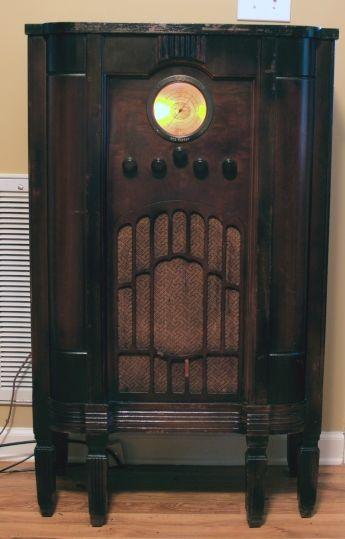 1935 Rca Model 224 Console Radio