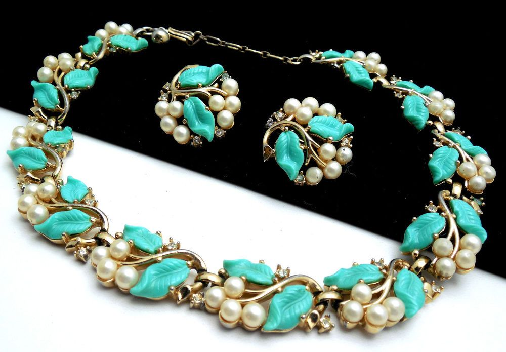 Vintage Crown Trifari Set Turquoise Plastic Leaf Faux Pearls Necklace Earrings #Trifari