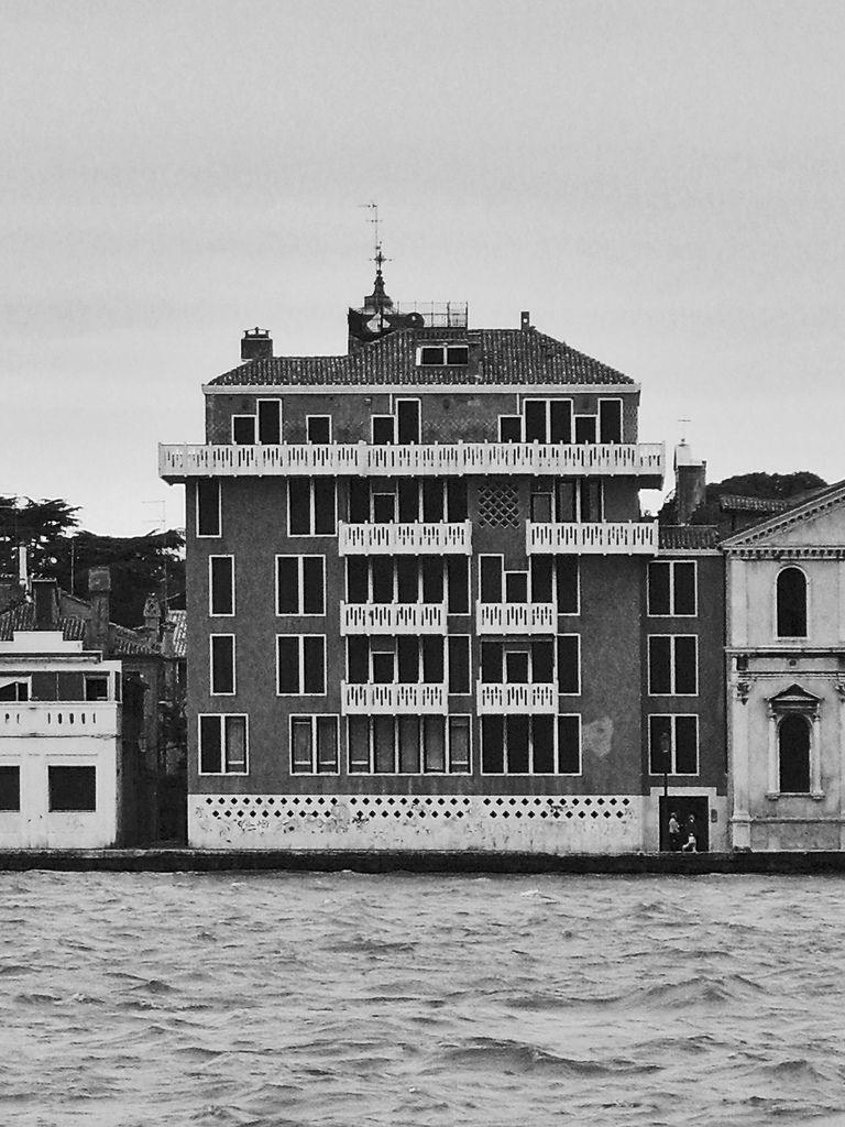 Case alle zattere photo architettura moderna for Architettura moderna case