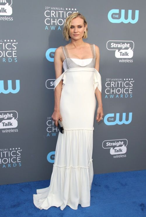 98a5161f33e Critic's Choice Awards: Οι καλύτερες εμφανίσεις που ξεχωρίσαμε - TLIFE    beautiful dresses