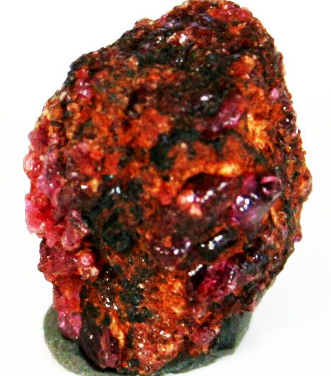 Painite One Of The World S Rarest Gemstones Geology