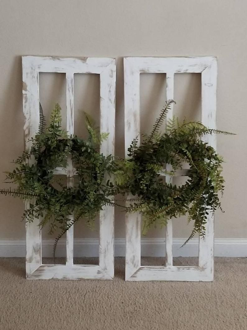 Antique Window Frame Farmhouse Wreath Farmhouse Window - home decor ideas - #Antique #Bathroomdecorideas #Beerpongstanddiy #decor #Diyhomedecor #Diyrustichomedecor #Farmhouse #Farmhousedecor #frame #home #homedecorideas #ideas #Livingroomdecorideas #modernhousedesign #Rustichomedecor #TraditionalLivingRoom #Window #Wreath