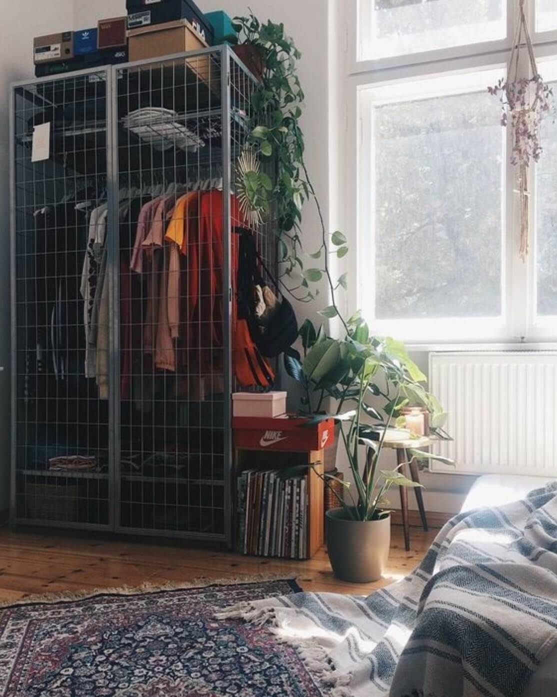 13 Creative Ways To Create a Wardrobe With Low Budget #roominspo