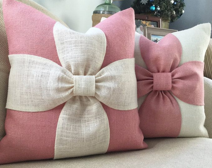 Burlap bow pillow cover in blush pink
