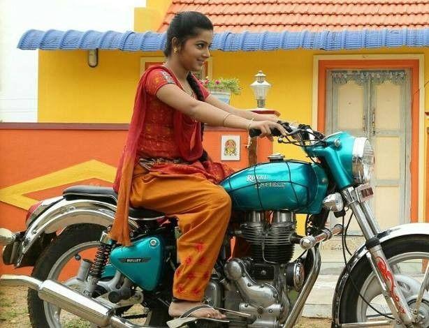 Indian Lady Riding Bike 275 Girl Riding Motorcycle Bike Ride