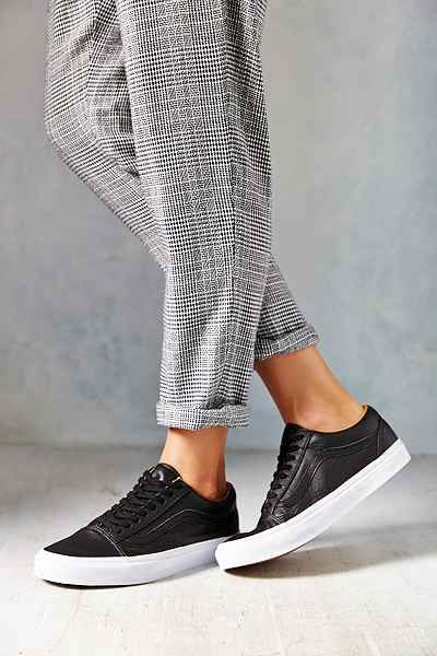 vans woman old school