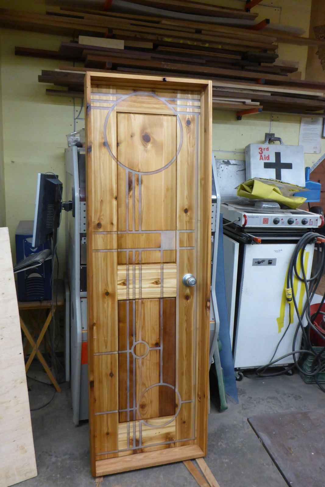 For anyone wondering how I made that door.