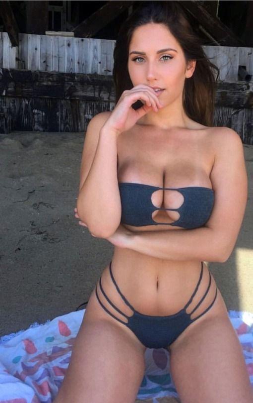 Girls in leggings in porn