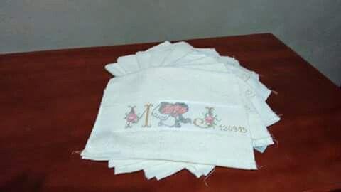 Toalhinhas de mão para lembrancinhas de casamento prontas para bordar