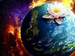 """""""O amor é de Essência Divina, e todos nós temos no fundo do coração a centelha deste fogo sagrado"""" (Allan Kardec)"""