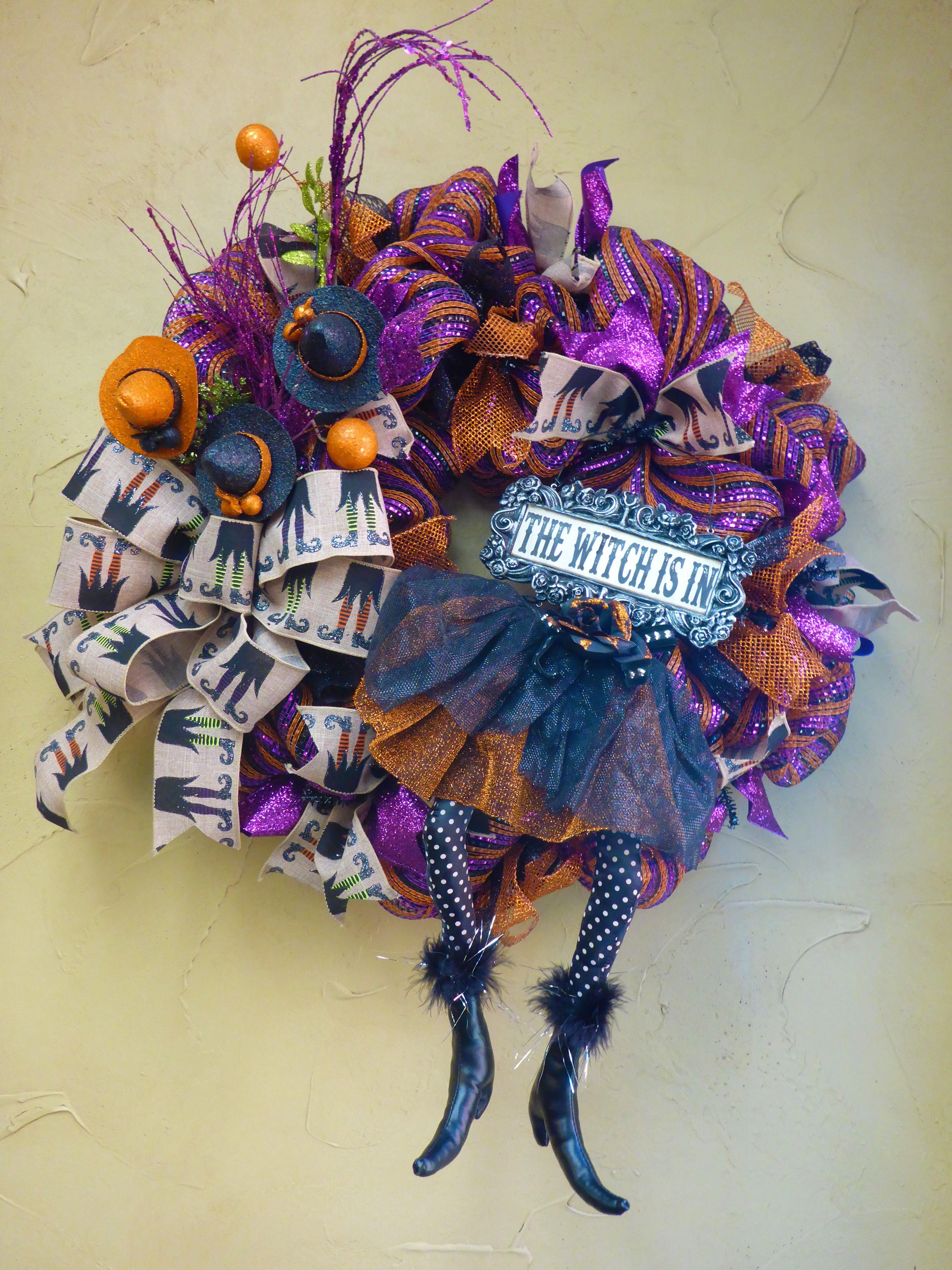 Pin lisääjältä adoornmentsmyshopify taulussa Halloween wreaths - Whimsical Halloween Decorations