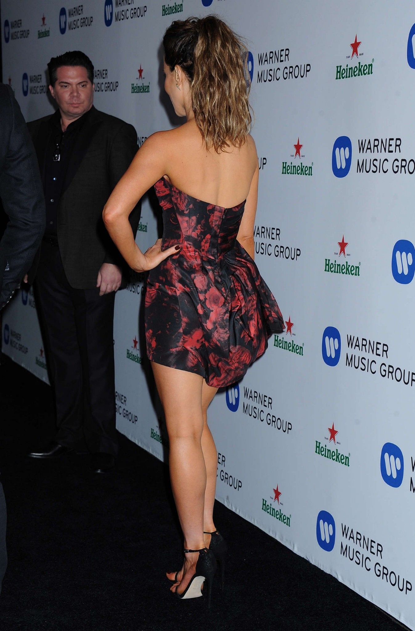 Kate Beckinsale 2017: Brit actress dares to bare cleavage