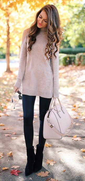 #thanksgiving #outfits Nude Turtleneck Sweater // Leather Leggings // Black Booties // Nude Tote Bag #thanksgivingoutfit