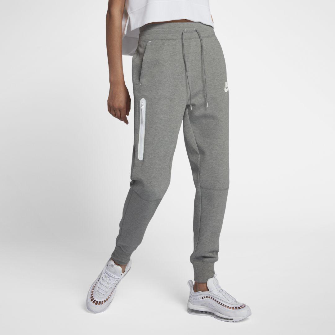 Nike Sportswear Tech Fleece Women S Pants Nike Com In 2020 Pants For Women Tracksuit Women Grey Nike Sweatpants