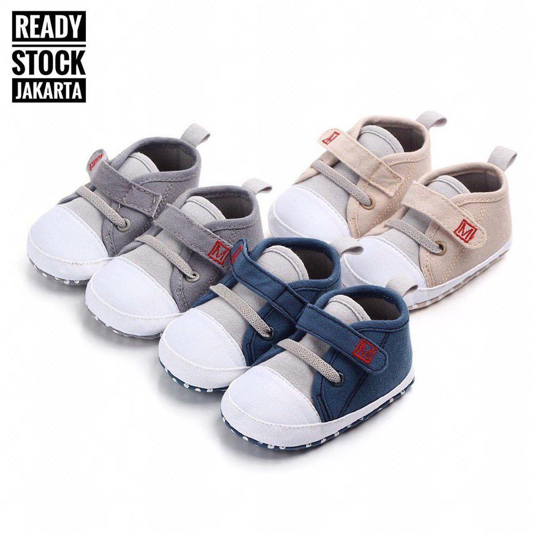 Babyshoes panosundaki Pin