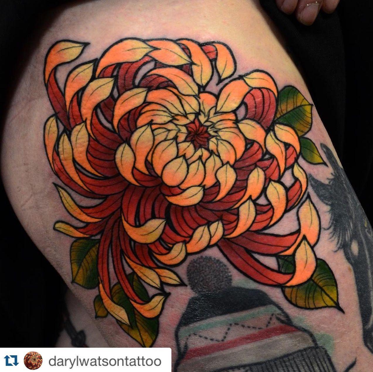 Pin By Sara Feldstein On T A T T O O S Tatouage Chrysantheme
