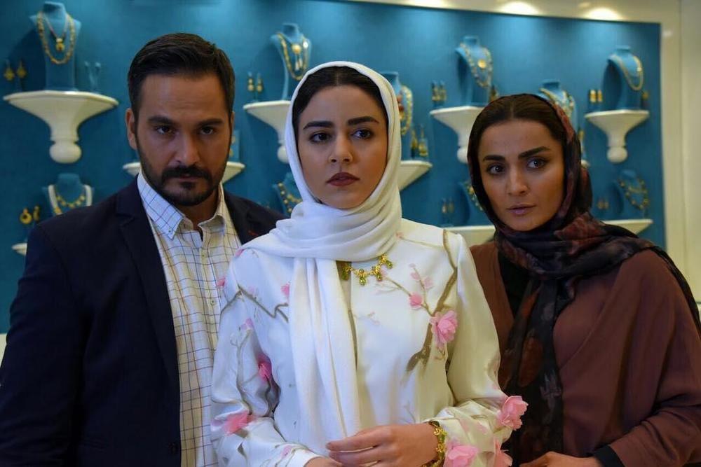 ماهور الوند میلاد کی مرام و السا فیروزآذر در فیلم ملی و راه های نرفته اش Actors Fashion Hijab
